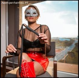 LadyRed Dominatrix experiente em técnicas de BDSM & Fetiches